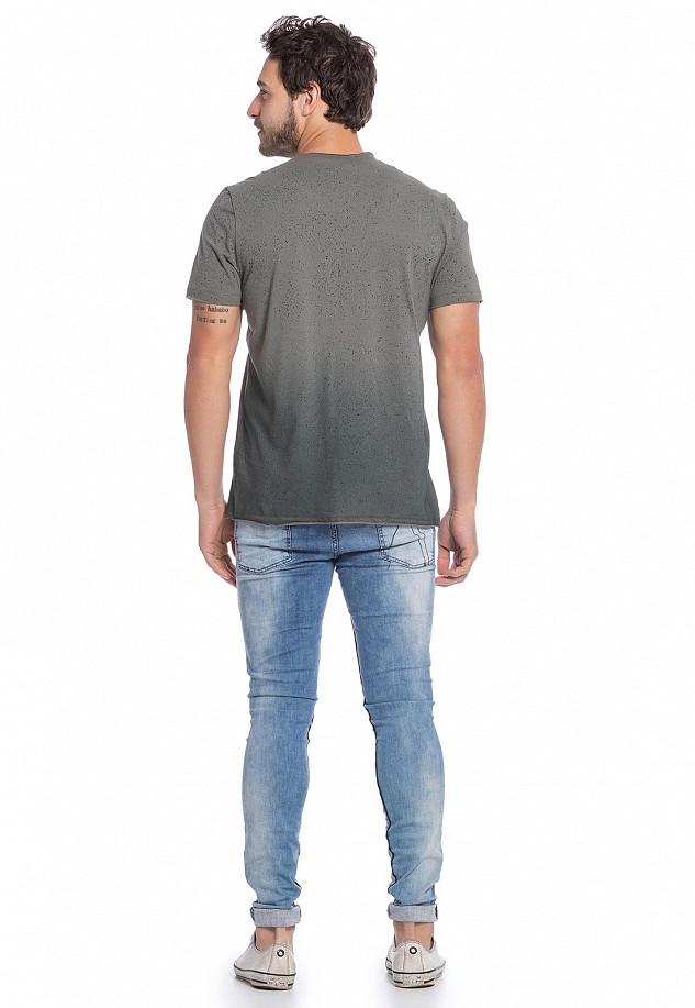 Camiseta Masculina Colorida com Degrade